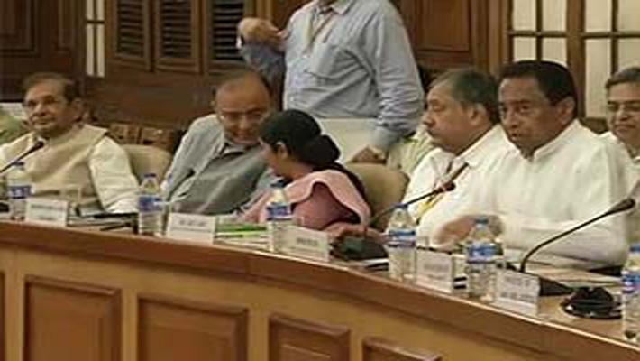 Food Security Bill in Lok Sabha today, Sonia makes  rare speak