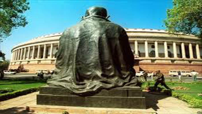 Andhra Ministers, legislators from Congress stage Dharna outside parl for united state