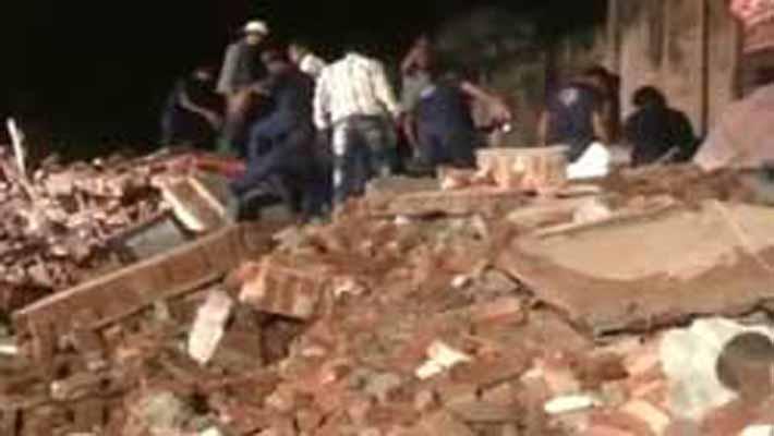 Nine dead after buildings collapse in Vadodara, Gujarat