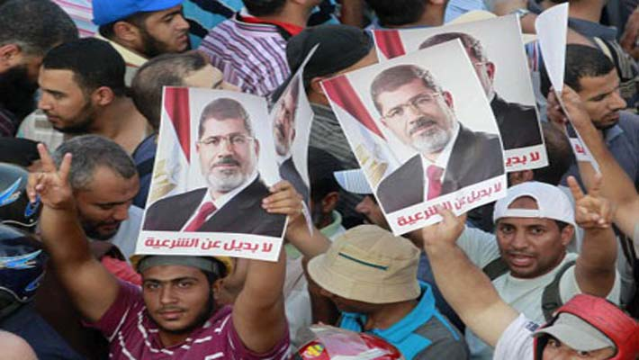 Morsi supporters vow to keep protesting