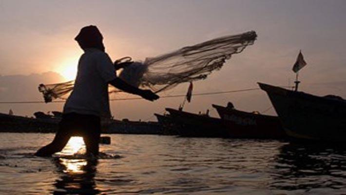 Lankan Navy arrests 32 more Indian fishermen