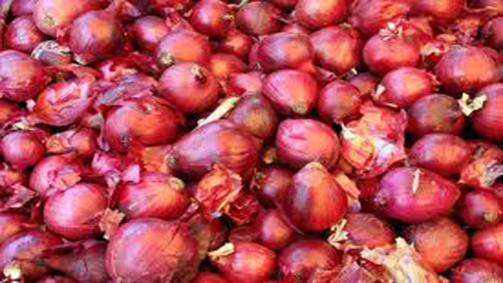 Rangarajan attributes spiralling onion prices to supply constraints, says to have temporary impact on inflation