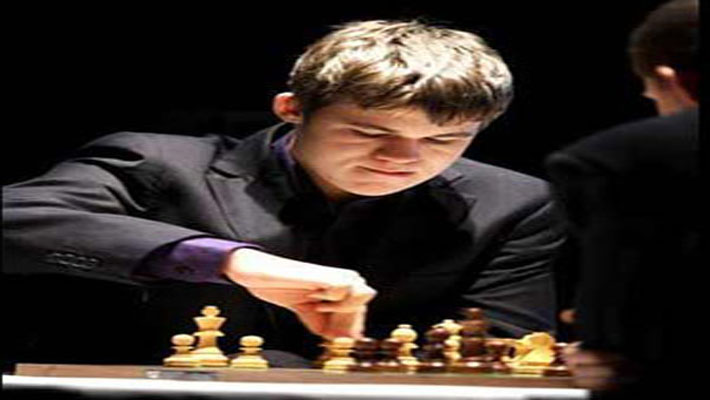 Magnus Carlsen becomes youngest World Chess champ