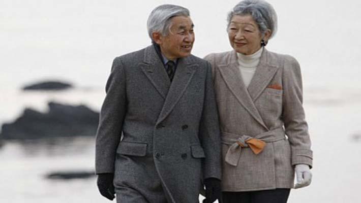 Emperor and Empress of Japan arrive in New Delhi