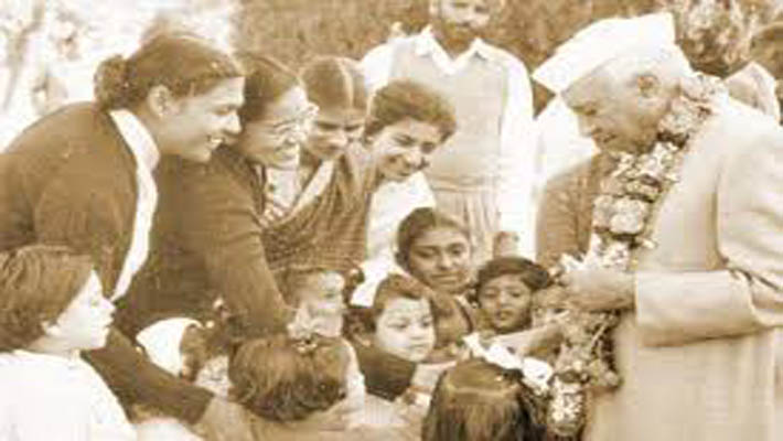 Nation remembers Nehru on birth anniversary; Children's Film Festival to open in H'bad