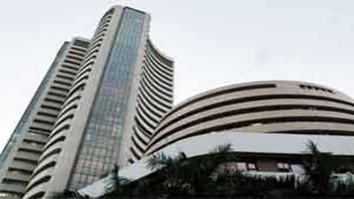 Sensex drops below 34K, Nifty loses over 1.5% amid global fall