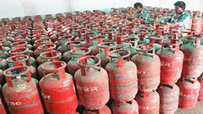 Non-subsidised LPG gas price hiked by Rs 220/cylinder