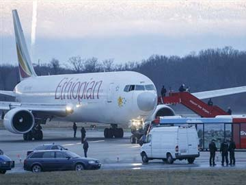 Co-pilot hijacks Ethiopian plane and requests asylum in Geneva