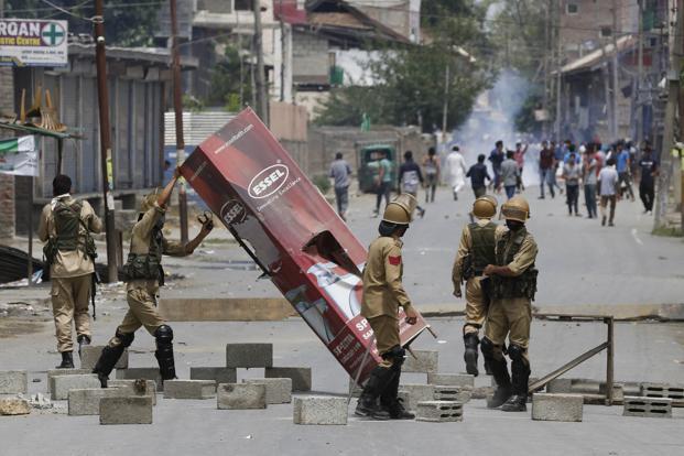 Nine killed, 126 injured in clashes in Kashmir
