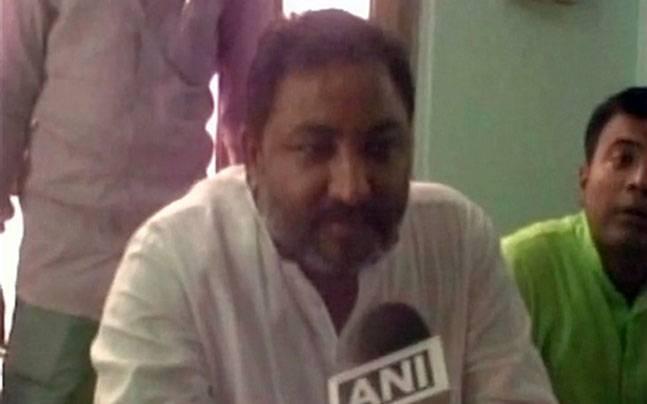 Embarrassed BJP sacks UP VP for remarks against Mayawati