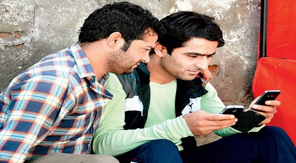 Mobile services curtailed in Kashmir