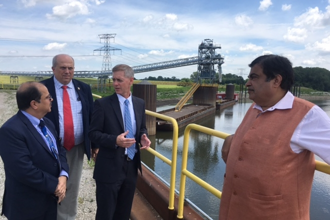 Gadkari tours Mississippi's inland waterways system