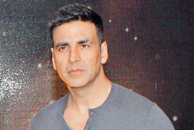 Matter of Shah's comments on Khanna over: Akshay