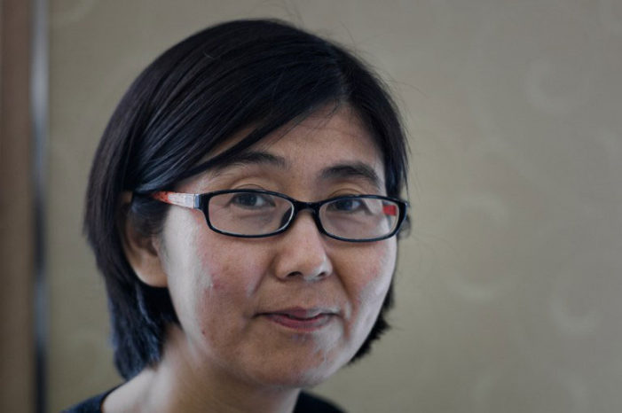 China releases human rights lawyer on bail