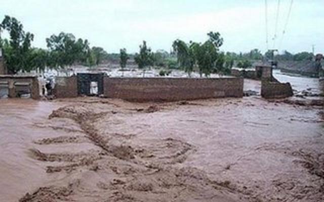 28 killed as floods hit van with wedding party in Pak