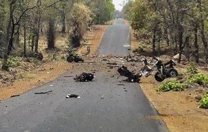 Maha: 15 security personnel, 1 civilian killed in Naxal blast
