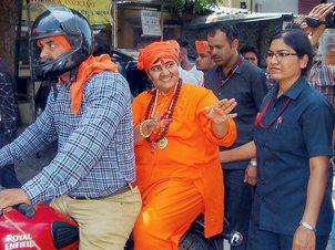 Pragya calls Godse 'patriot', apologises later & retracts statement