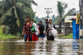 Heavy rains in Kerala claim 42 lives, over one lakh in relief camps