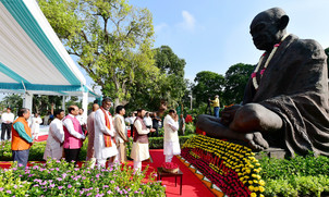 President, PM Modi pay homage to Mahatma Gandhi on his 150th birth anniversary