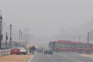 Cold morning in Delhi, air quality remains 'very poor'
