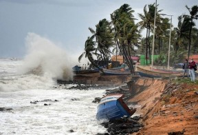 Cyclone Tauktae intensifies and moves towards Gujarat; 6 dead