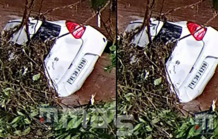 Car swept away by floodwaters in Thodupuzha, 2 killed